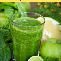 Juicing vs. Blending (+ Green Glow Recipe)