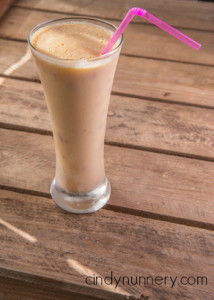 clean and healthy vanilla almond shake 2